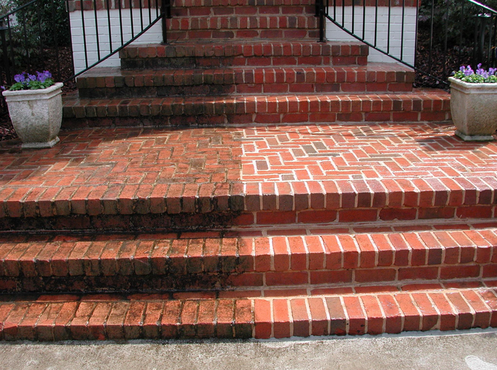 Brick Home Restoration : Brick cleaning and surface restoration with dry ice